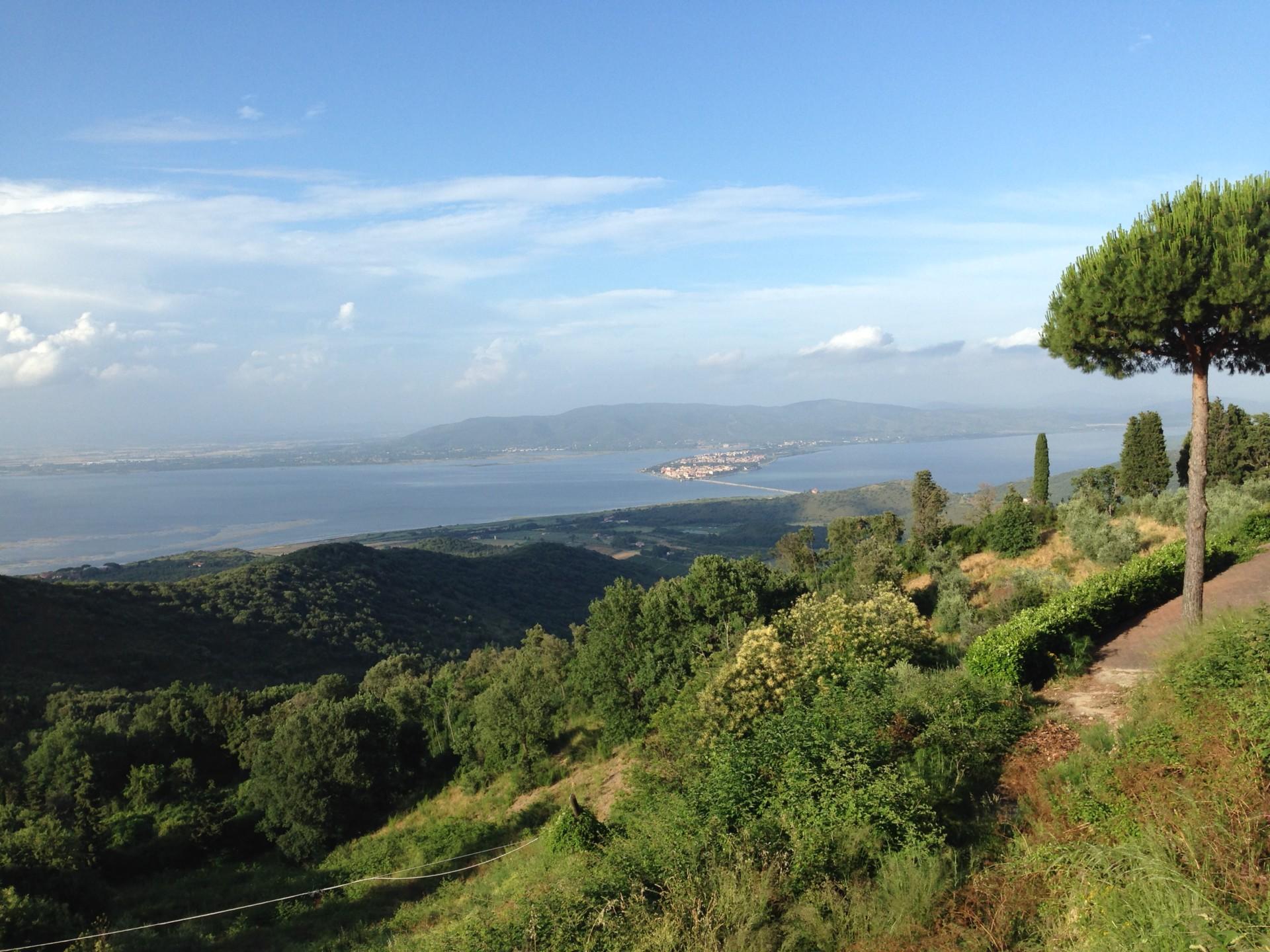 Orbetello vom Argentario aus gesehen, fast eine Insel in der Lagune