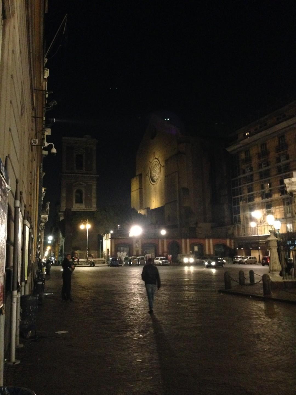 Nachts auf der Piazza Gesù Nuovo
