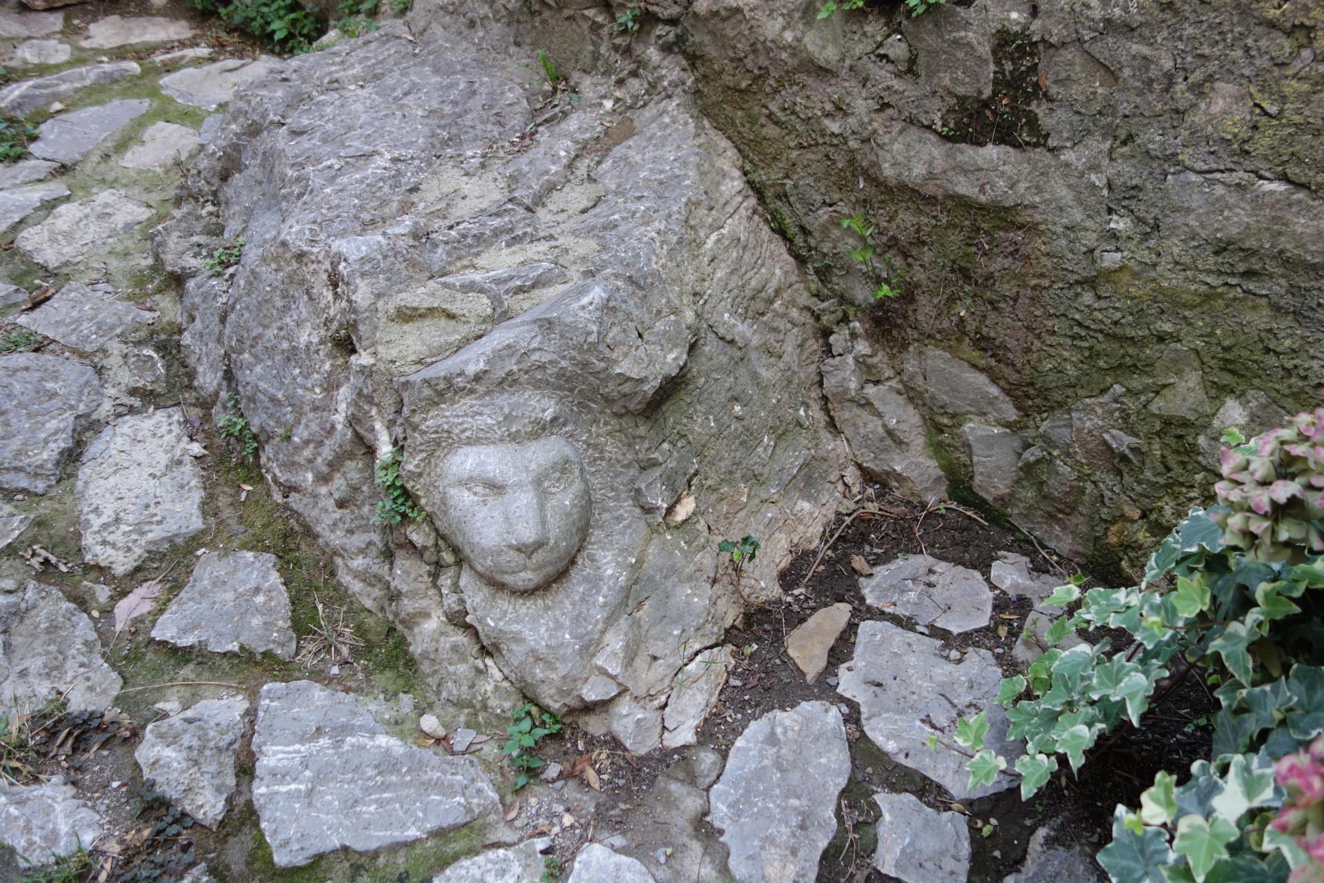 Steine leben, Roccalbegna