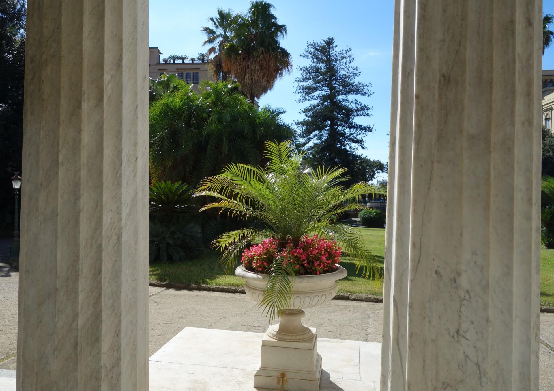 Villa Pignatelli, auf der Terrasse
