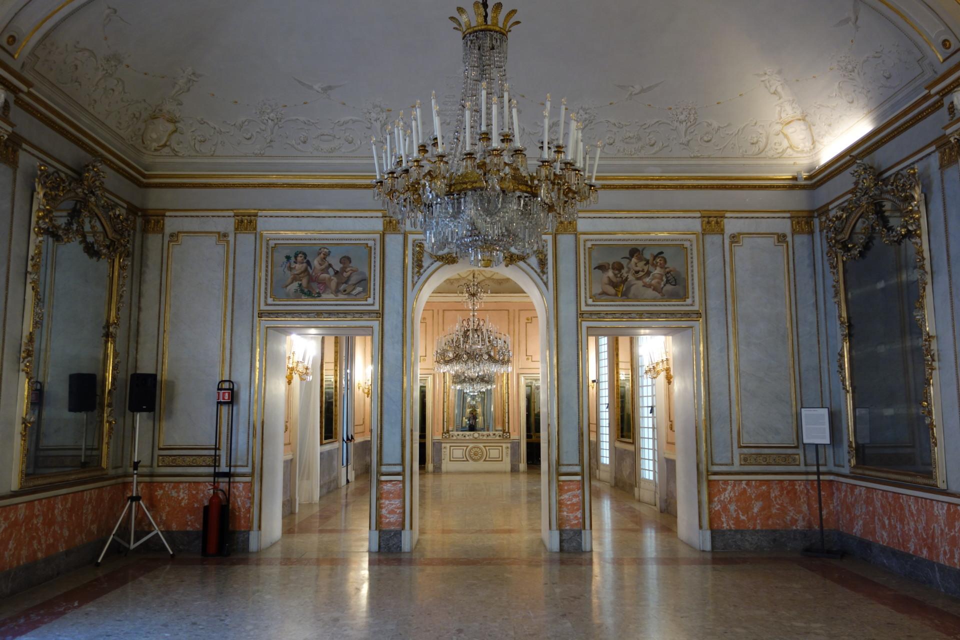 Villa Pignatelli: Der Musiksalon