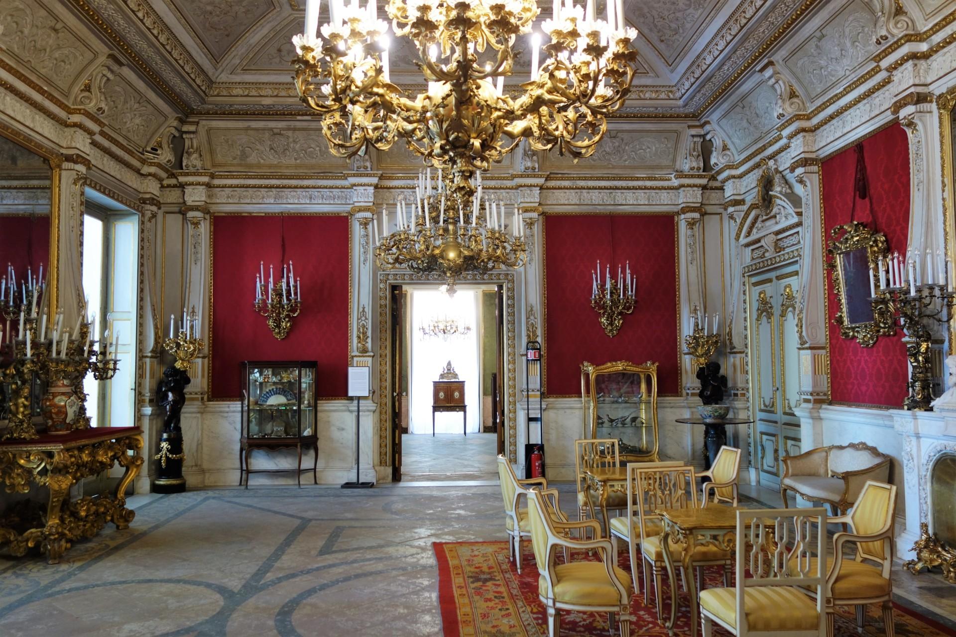 Villa Pignatelli, der rote Salon -Beginn der Bauarbeiten 1826