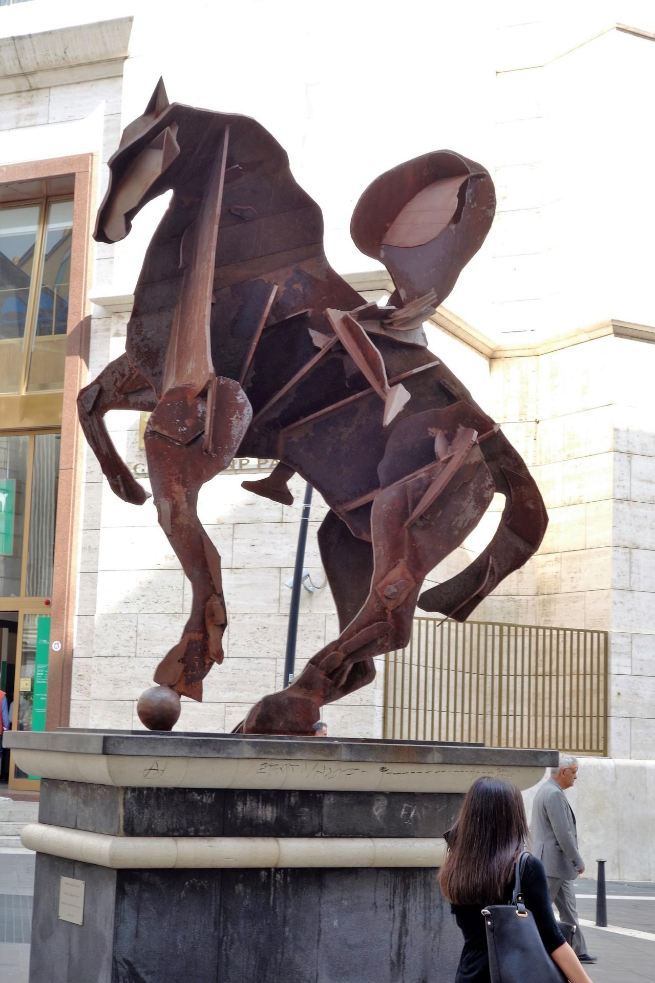 Der Reiter mit der grossen Nase, Via Toledo