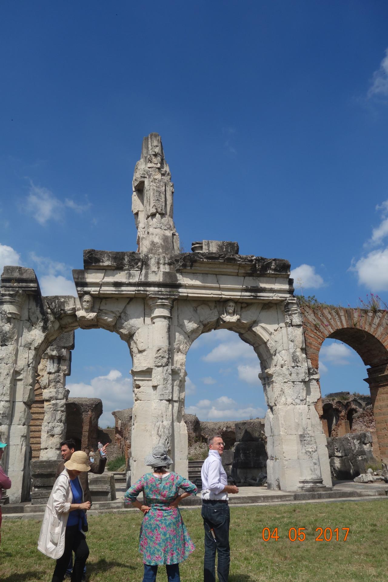 Capua, so muss das Kolosseum aussen verkleidet gewesen sein