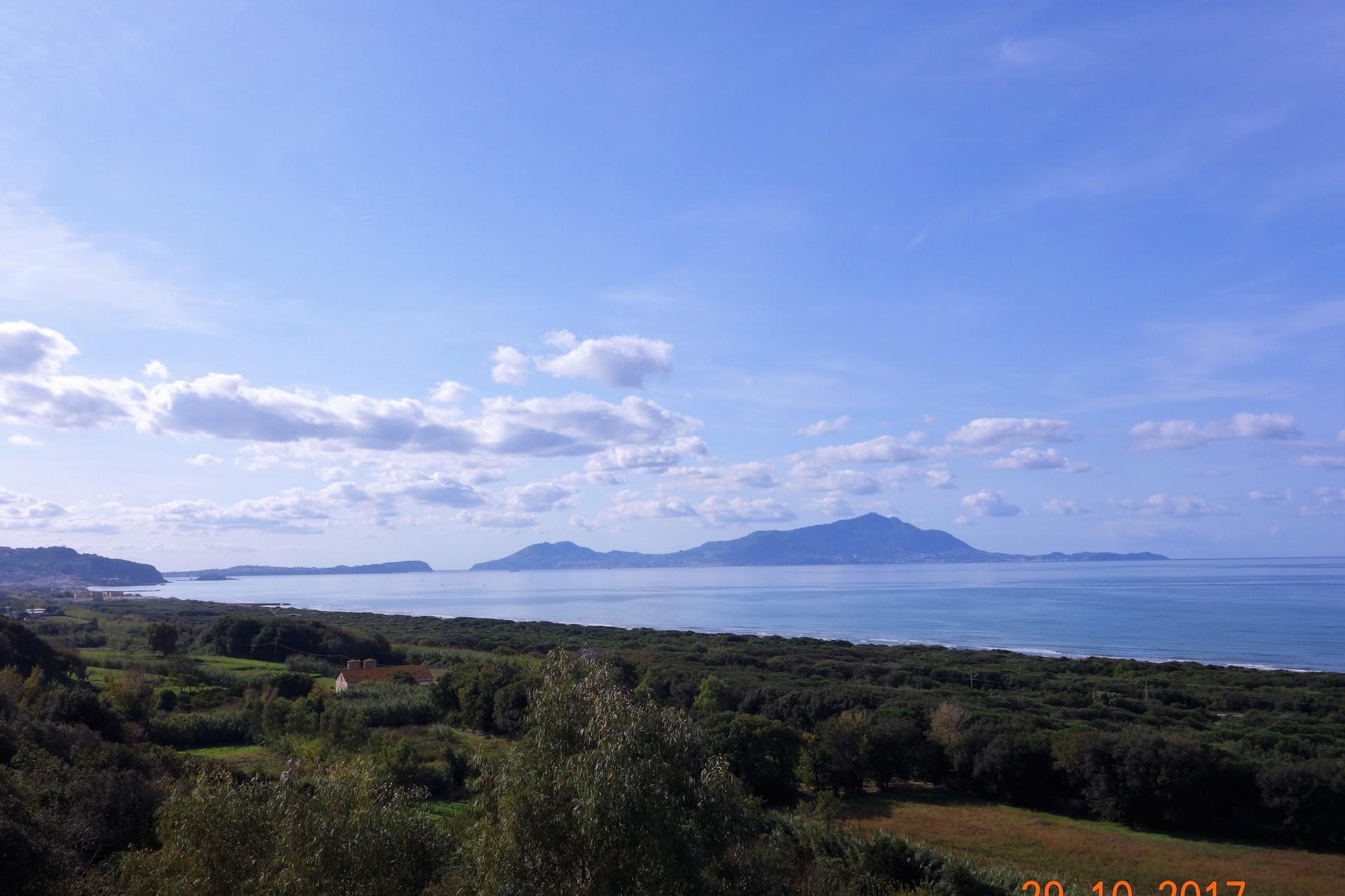 Blick von Cumae auf Ischia