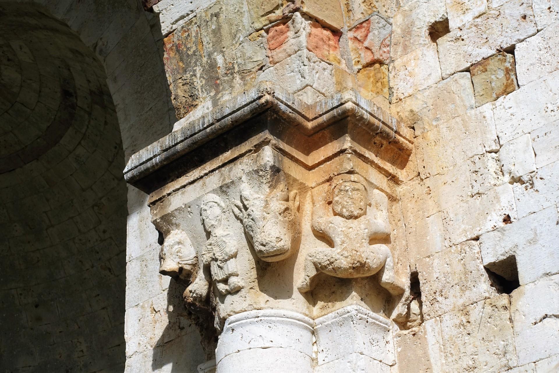 San Bruzio, das gut erhaltene Kapitell