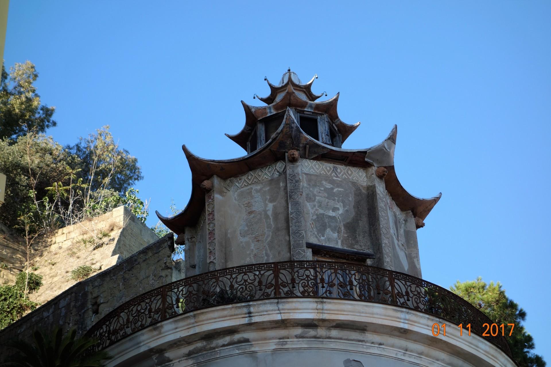 Chinesisch inspirierter Gartenpavillon, Posillipo