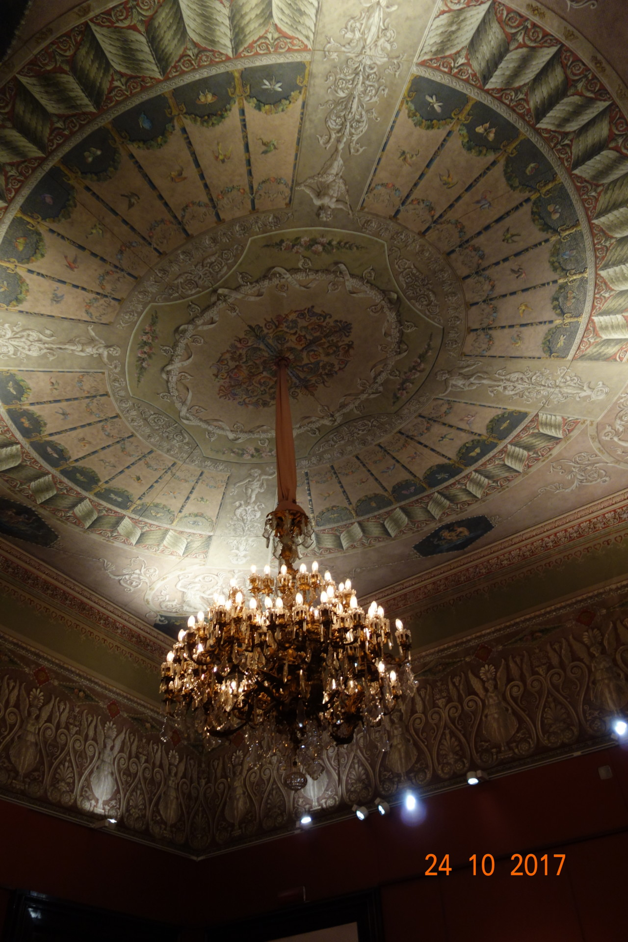 Leuchter im Palazzo Zevallos Stigliano