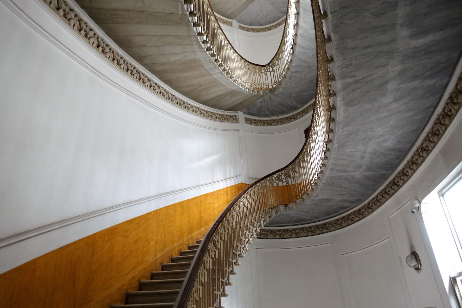 La scala stupenda nel Palazzo Mannajuolo - Liberty, in Neapel quartiere Chiaia