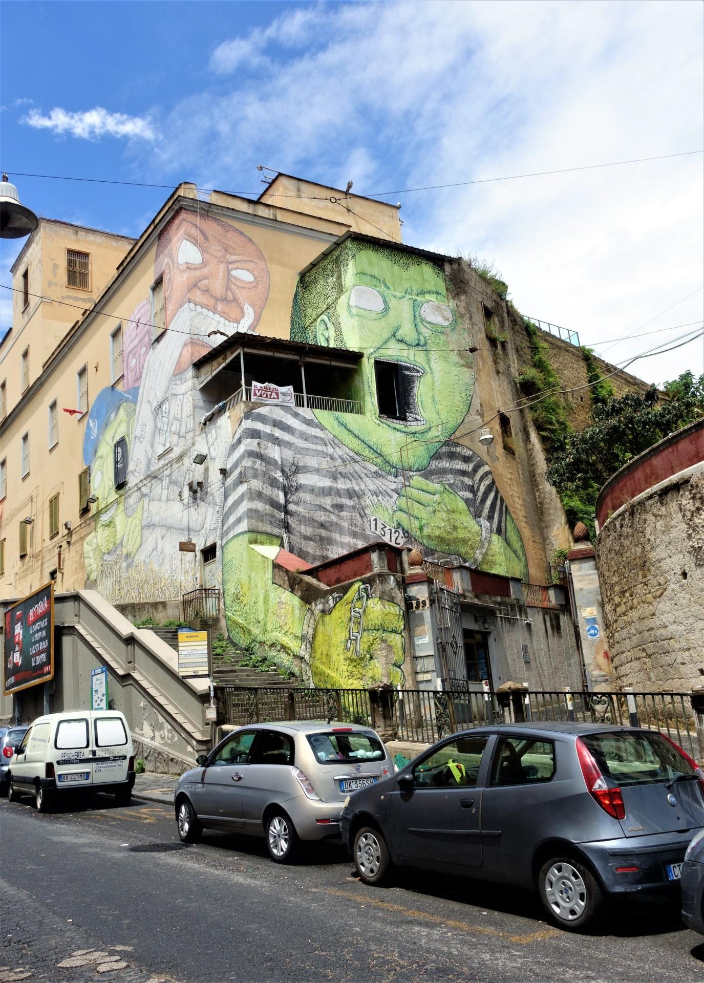 Die ehemalige Psychiatrie 1, Murale von Blu