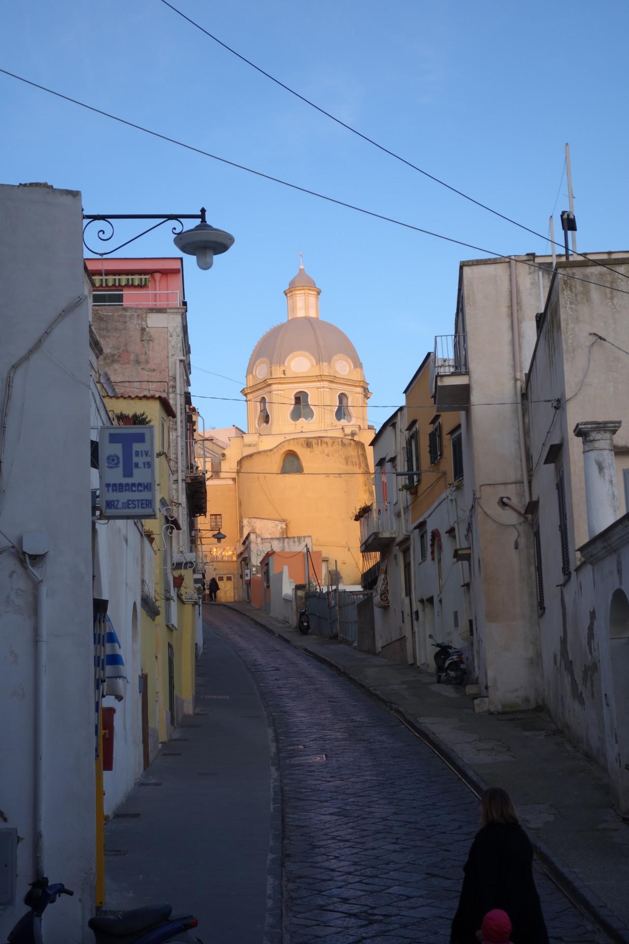 In den Gassen von Marina di Corricella