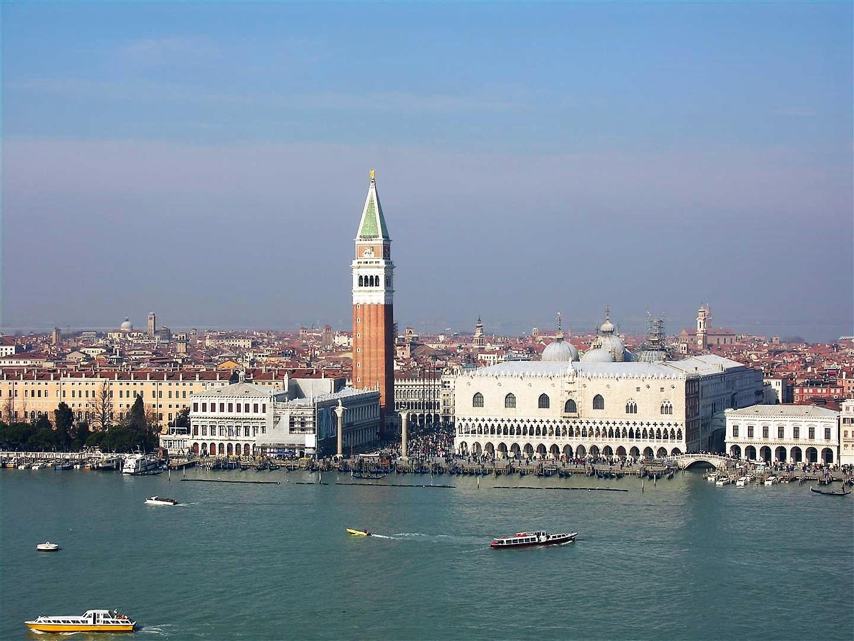 Blick von San Giorgio Maggiore zum Dogenpalast