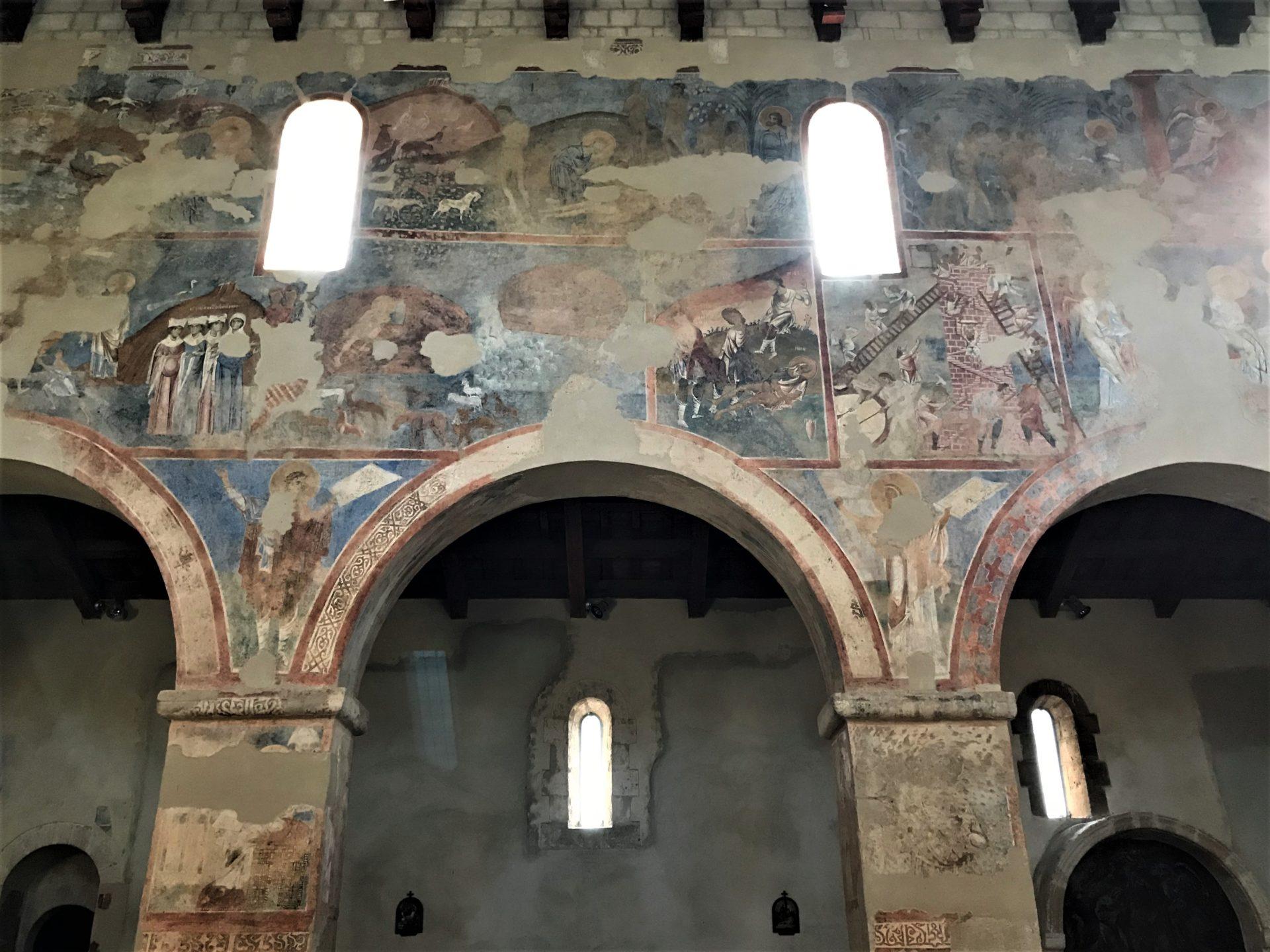 Santa Maria d'Anglona innen
