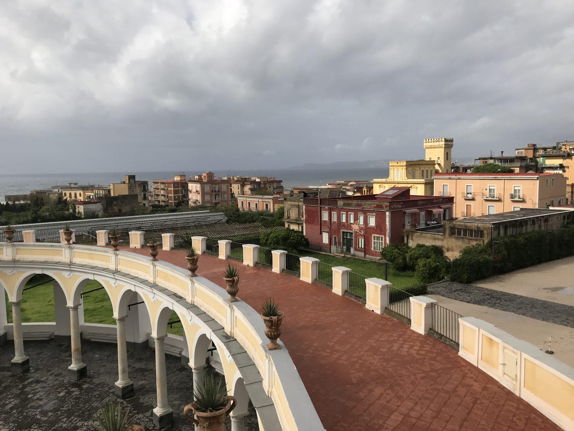 Auf dem Balkon der Villa Campolieto, Miglio d'oro