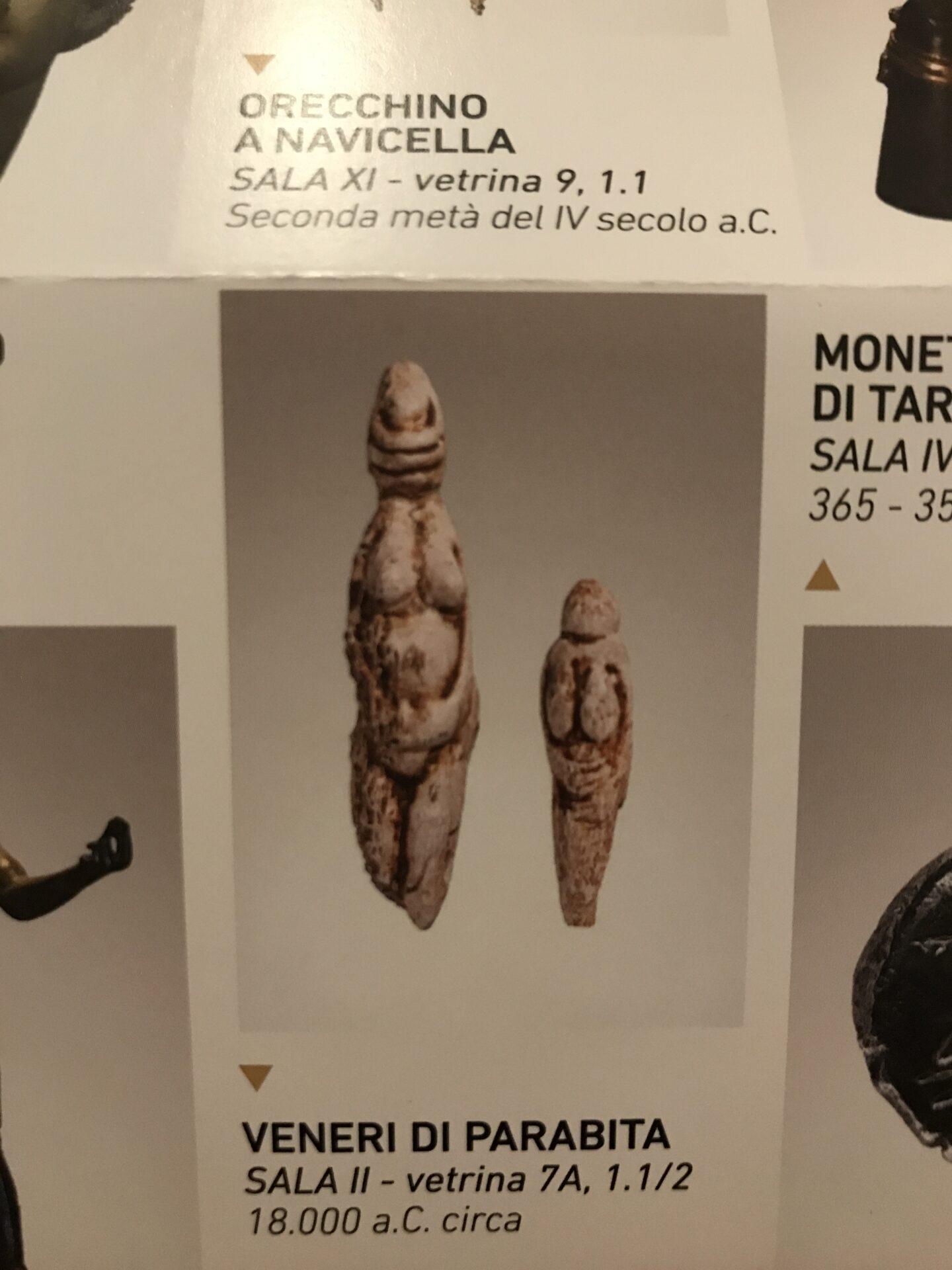Frühzeitliche Fruchtbarkeitsgöttinnen, aus einer Grote nahe Santa Maria al Bagno
